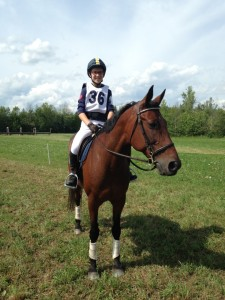 Oakhurst Show Team Member Taya Davison riding Nike in her first event.  The pair finished in 3rd place!