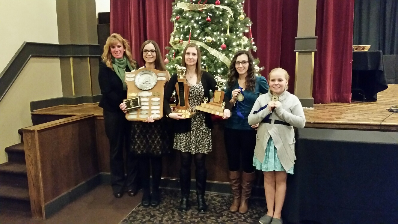 Coach Ruth Allum, Jenna Mayhew, Kristin McLaren, Megan Jenner and Zoe Richardson proudly displaying their awards from the OADG Dressage Banquet!