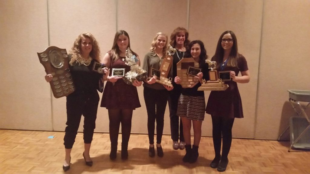 Team Oakhurst's award winners at the OADG Dressage Banquet! L to r: Jackie Naida, Rebecca Walker, Emma Richardson, Coach Ruth Allum, Megan Jenner, Jenna Mayhew